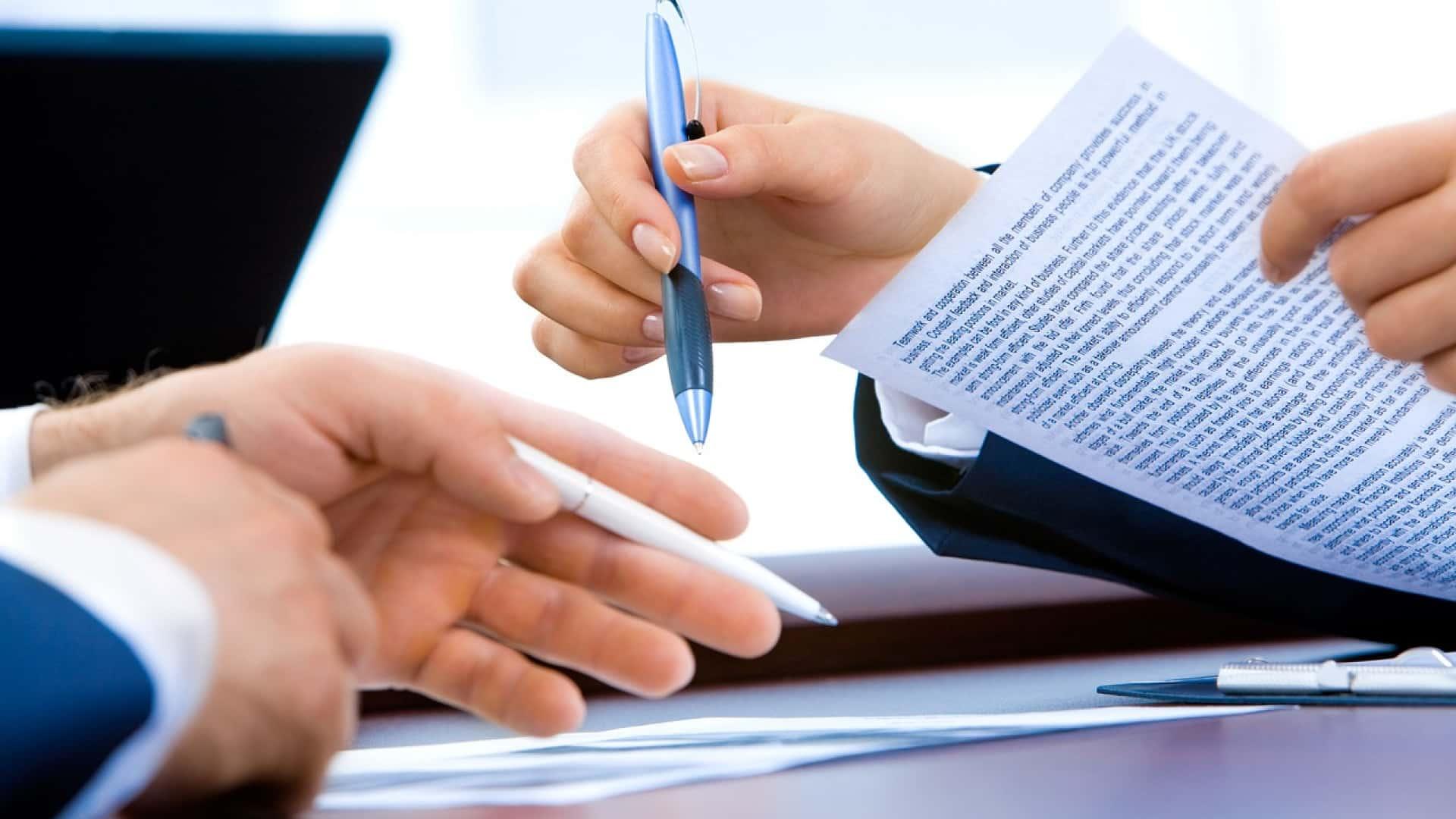 Signature de papiers